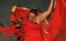 Paco Candela presenta hoy su último disco y le acompaña al baile Carmen María Reluz