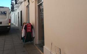 Detenido cuando forzaba la entrada de una tienda cerca de la calle Sevilla