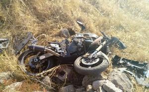 Fallece un motorista de 29 años tras una salida de vía cerca de Navalmoral de la Mata