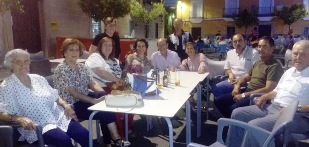 La ministra visita a sus paisanos en Torremocha