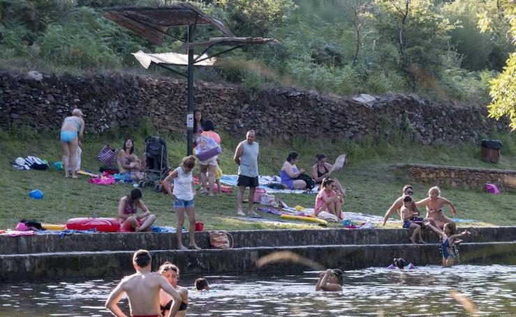 El verano en Hoyos, pueblo de Sierra de Gata