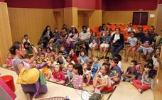 Cuentos para escucharnos, en la Biblioteca Pública de Cáceres