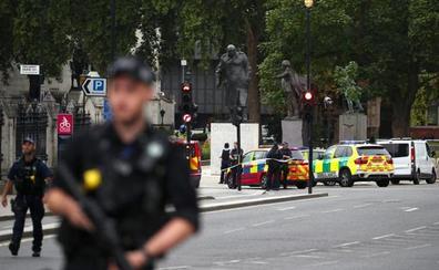 La policía de Londres investiga como un acto terrorista el accidente contra el Parlamento
