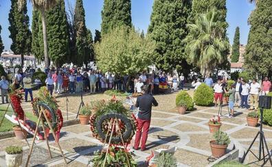 El PSOE pide un «gesto oficial» con las víctimas franquistas