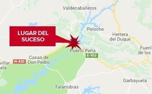 Herido un varón de 66 años en una salida de vía en la carretera de Puerto Peña a Valdecaballeros