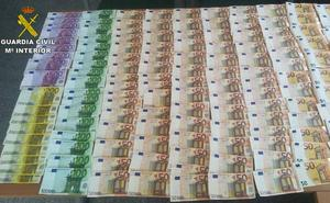 Tres detenidos por robar 28.000 euros en una vivienda en Barquilla de Pinares