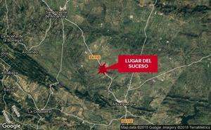 Herido grave un motorista de 50 años en una salida de vía cerca de Alburquerque