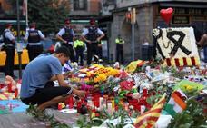 El Gobierno pide que las víctimas centren el primer aniversario del 17-A