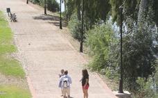 Una docena de farolas sin lámparas tiene a oscuras parte del paseo de la Isla en Mérida