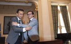 Gallardo quita a Cabezas la presidencia del comité que analiza la memoria histórica