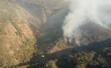 Controlado el incendio forestal que ha afectado al entorno natural de Garganta la Olla