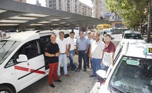 Los taxistas de Cáceres llevan el uso de los triciclos eléctricos ante la Inspección de Trabajo