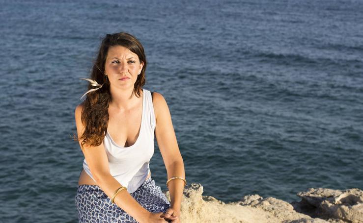 'Tú al pueblo, yo a la playa': Verano de la cacereña Manuela Elena en Los Caños