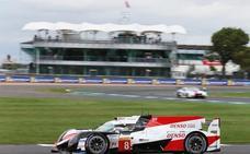 El Toyota de Fernando Alonso gana también en Silverstone