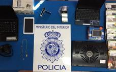 Desmantelan una banda que robó en siete comercios de Cáceres y un local de apuestas de Badajoz