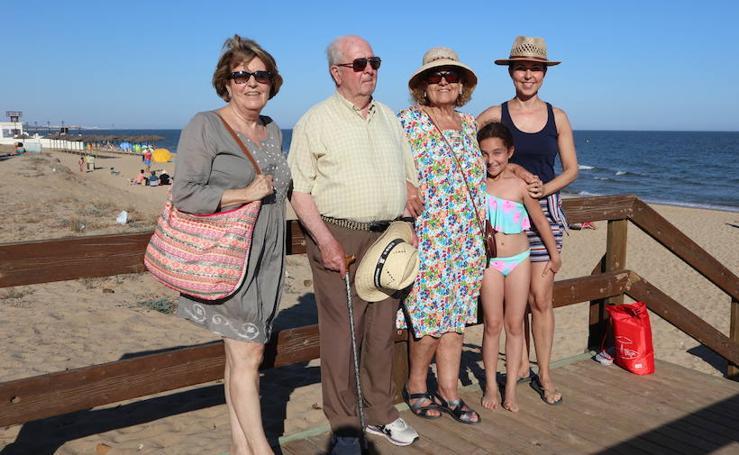 'Tú al pueblo, yo a la playa': Veraneo en Isla Cristina