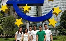 Los jóvenes extremeños becados para viajar por Europa se rebelan