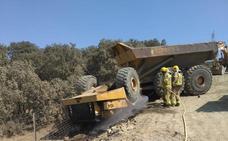 Fallece un trabajador al volcar el camión que conducía en el parque eólico de Plasencia