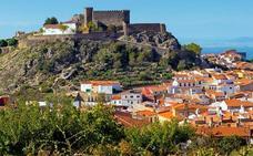 Montánchez abre excepcionalmente la bodega del siglo XV de su castillo