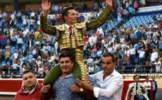 Diego Urdiales, botín y toro de bandera