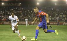 A por la primera victoria ante el Sporting de Gijón