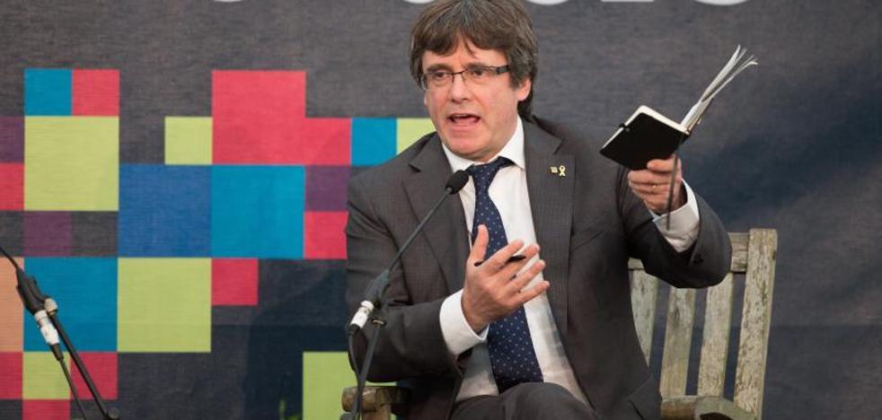 La traductora apunta a que la defensa de Puigdemont manipuló la denuncia contra el juez Llarena