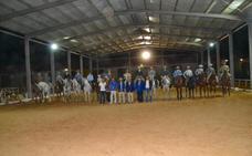 Veinte jinetes compiten hoy en el regional de Doma Vaquera en Almendralejo