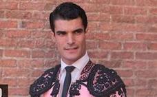 El novillero extremeño Jesús Díez da la cara en su debut en Las Ventas