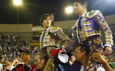 Manzanares y Roca Rey se imponen en la alternativa de Álvaro García