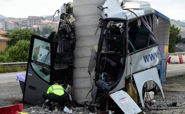 Trágico accidente de un autobús en Avilés