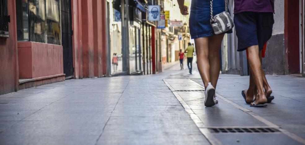 El cambio de losetas del Casco Antiguo de Badajoz depende del millón de la Diputación