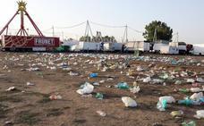 Unos 4.000 kilos de basura se retiraron cada día de fiesta entre el botellón y el ferial