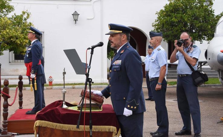 El coronel Vidal Fernández toma posesión como jefe de la Base Aérea y Ala 23