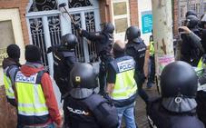 Interior ordena desplegar a más de un millar de policías y guardias civiles en Cataluña