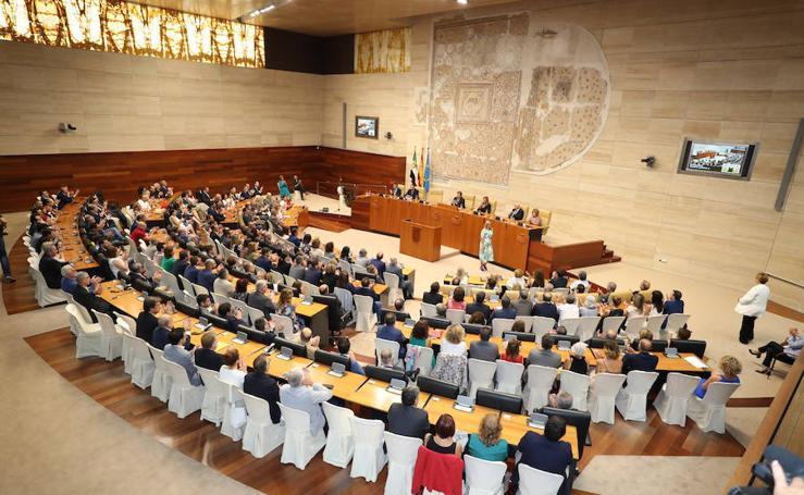 Acto institucional del Día de Extremadura en la Asamblea