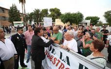 Concentraciones en Mérida por el cierre de Almaraz y por un tren digno en el Teatro Romano