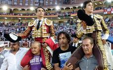 Roca Rey marca territorio en Valladolid, donde sale a hombros con Manzanares