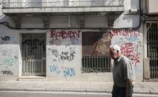 Las viviendas abandonadas roban el sueño a los vecinos de Margallo en Cáceres