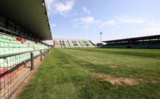 Sale a concurso el mantenimiento del césped del Estadio Romano