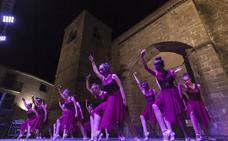 La Noche Abierta convierte el recinto amurallado de Plasencia en escenario artístico