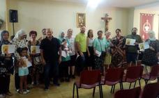 Entregan las becas María Luisa González en Villanueva de la Serena