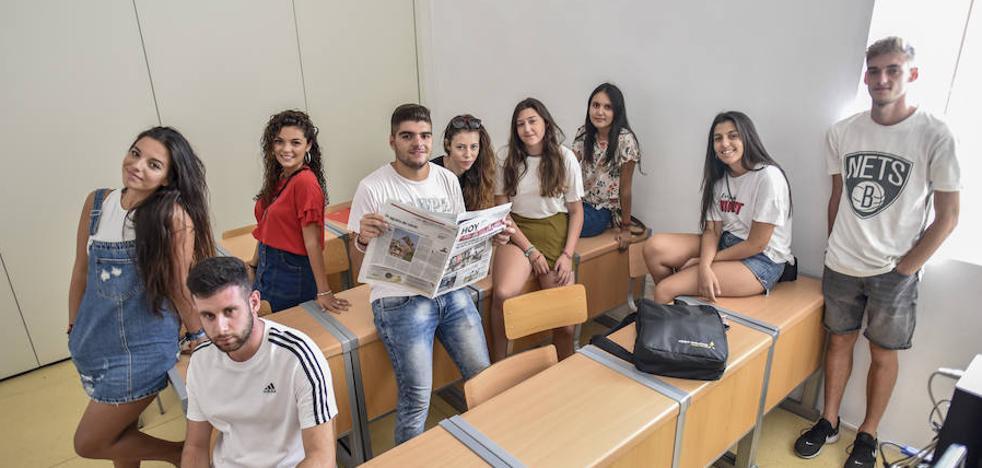 «Es un alivio no tener que ir a Madrid o Sevilla para estudiar Periodismo»