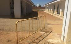 El cementerio de Almendralejo cuenta con 63 nichos de los 108 de nueva construcción