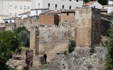 Cáceres espera la resolución de Fomento para licitar las obras de rehabilitación de su muralla