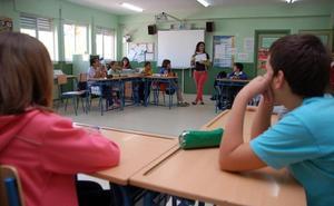 Educación acepta que las vacaciones de Semana Santa y Navidad duren un día más