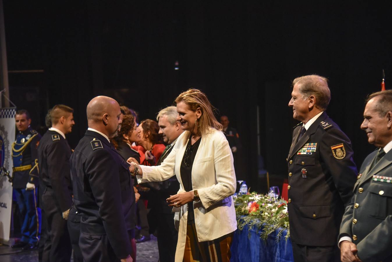 El acto oficial de entrega de medallas por Día de la Policía Local de Badajoz