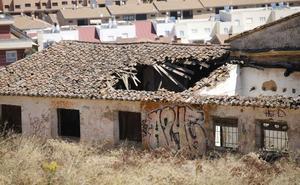 El Ayuntamiento de Cáceres toma medidas de seguridad en el viejo depósito de hielo