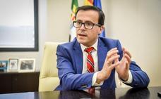 Gallardo: «El Ayuntamiento de Badajoz se ha quedado solo en la cuestión de la memoria histórica»