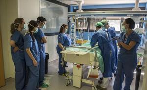Sanidad garantiza que su personal comenzará a trabajar 35 horas semanales desde octubre