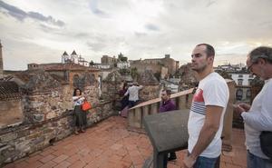 'La Noche del Patrimonio' de Cáceres genera críticas por la escasez de recintos abiertos
